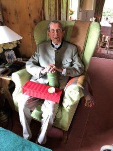 Hr. R. feiert seinen 100. Geburtstag.