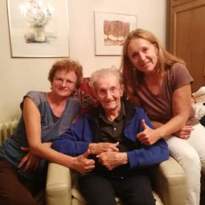 Herr Ernst P. aus Graz mit seiner Betreuerin Steffi J. und seiner Tochter Ulrike